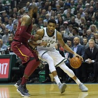 giannis antetokounmpo against cavaliers 2017
